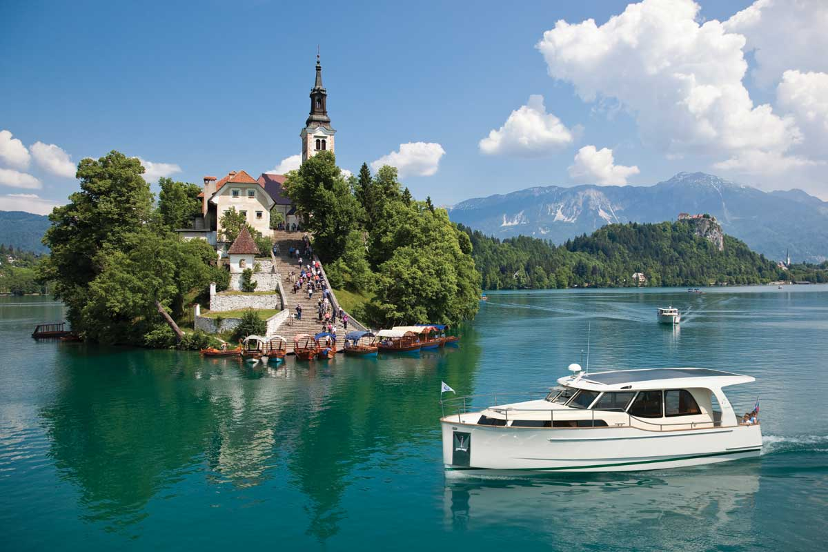 Shipman in lake Bled.jpg